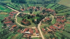 charlottenburg-satul-rotund-din-romania-00