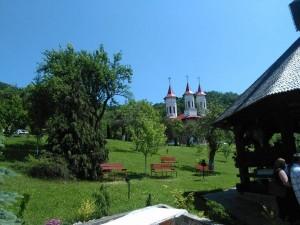 manastirea strimba aceeasi refacuta
