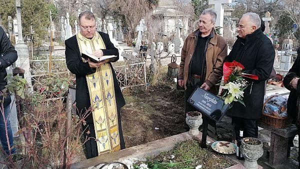 George Rotaru i-a facut parastas Naarghitei la mormantul de la Bellu