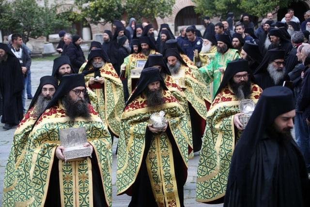 Calugarii de la Muntele Athos se roaga pentru pandemie