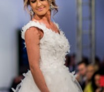 Diana Munteanu, in rochie de mireasa la Bucharest Fashion Week!